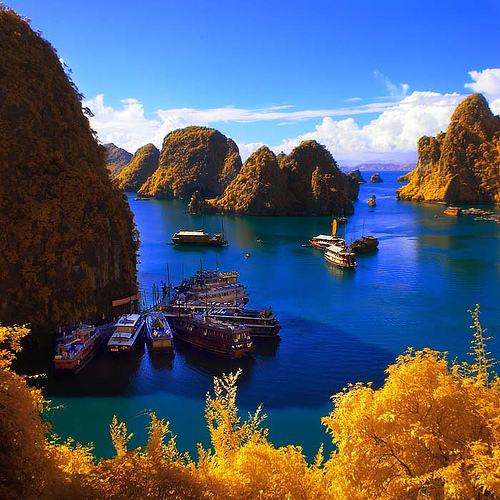 BEST OF VIETNAM & MYANMAR TOUR